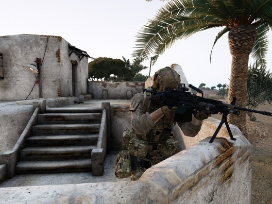 Leichtes Maschinengewehr sichert die restlichen Schützen