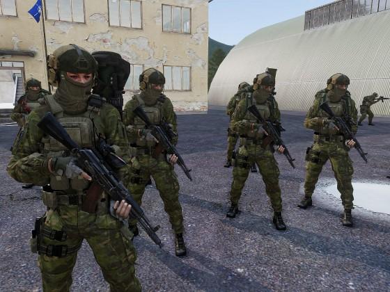Finische Motorisierte Infanterie bei der Befehlsausgabe