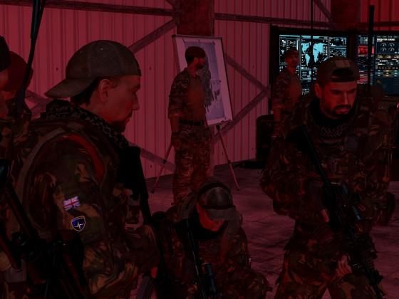 Briefing der Pathfinders in der Operations Zentrale